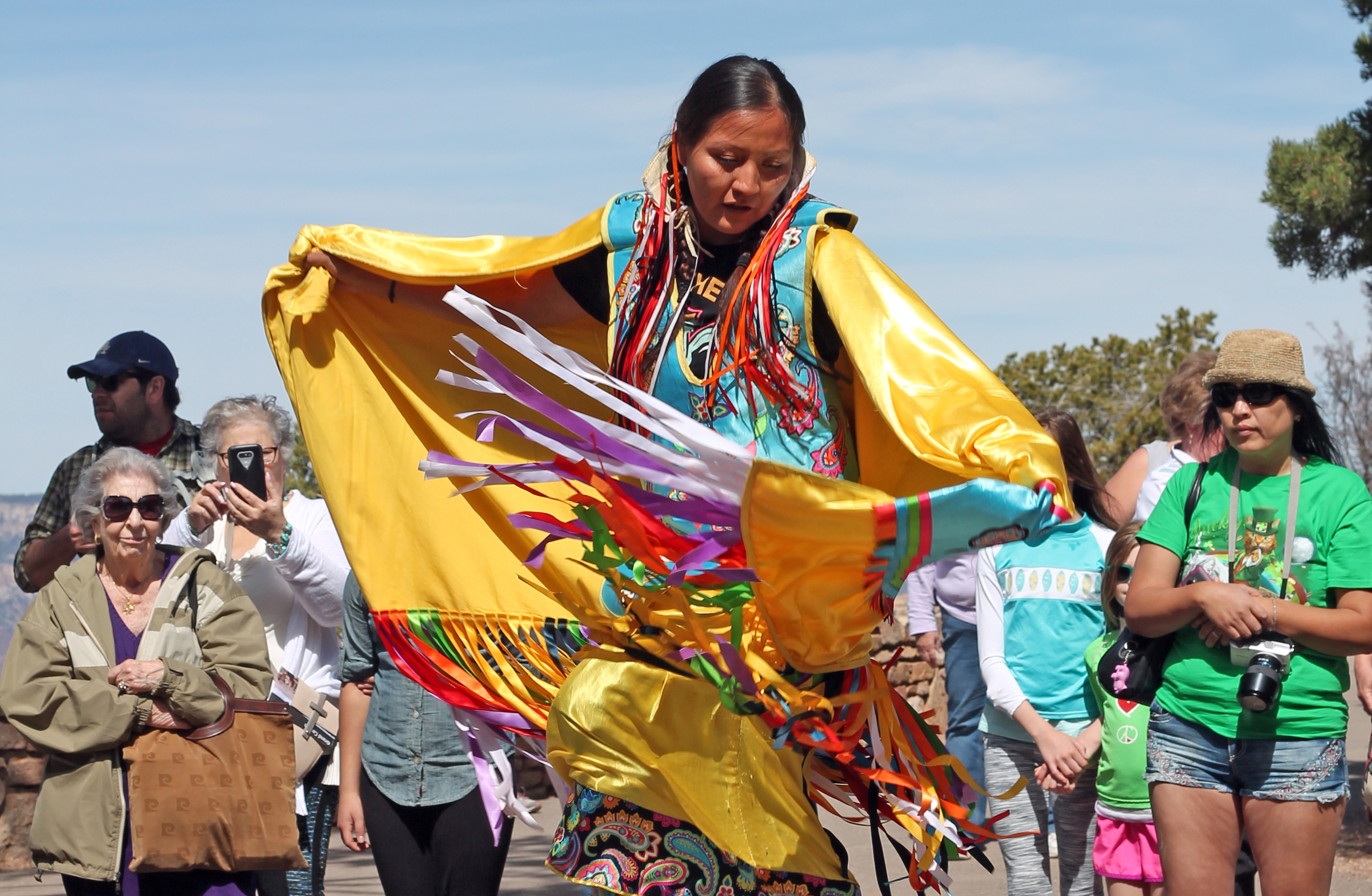 navajo religion Traditionally, many navajos considered eating fish or fowl a taboo because of religious beliefs regarding fish and birds  learn about navajo religion.