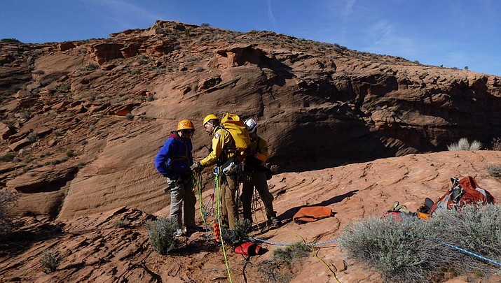 Injured hiker, 18, rescued from Waterholes Canyon near Page