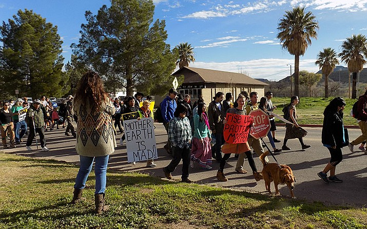 Protestors of Oak Flat Mine start walking on an early February morning. Protestors believe mining will damage sacred lands, supporters say mining is an economic boon for Arizona.  Photo/Shania Alba, Cronkite News
