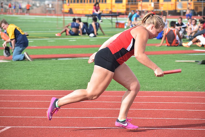 Mingus Union junior Katelyn Prouty runs the first leg of the 4x100 relay at the Mingus Invitational. At the Wrangler Athletic Boosters Invitational, Mingus Union won the 300 relay in 52.53 seconds. (VVN/James Kelley)