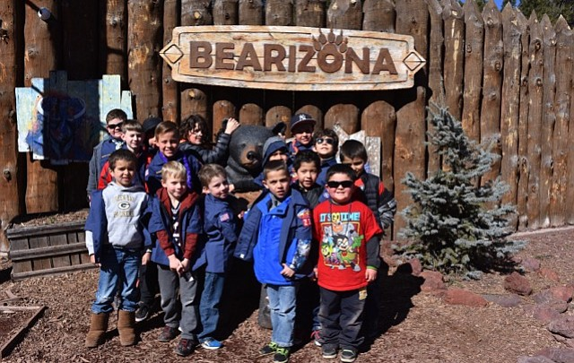 Grand Canyon Cub Scouts live up to the oath at Bearizona, school board meeting