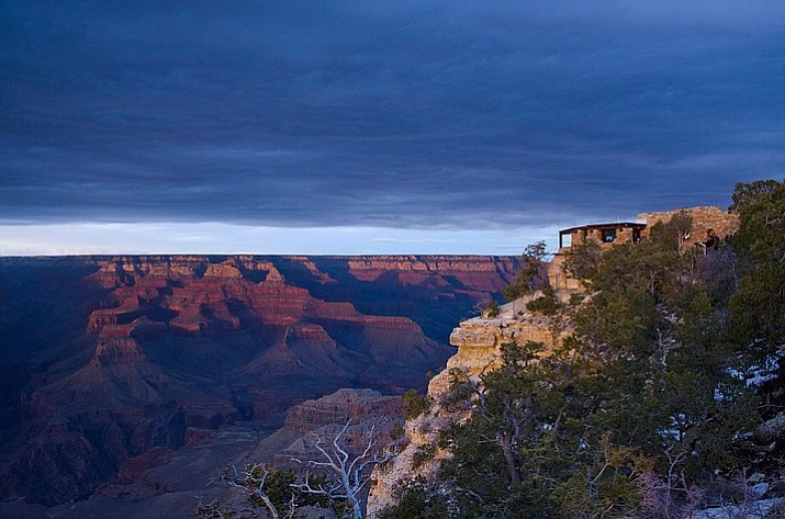 National Parks, like the Grand Canyon, have free admission this weekend.