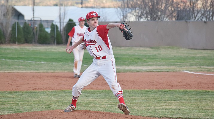 Phoenix Thunderbird in the first round of the 4A state playoffs on Tuesday night. Mingus Union head