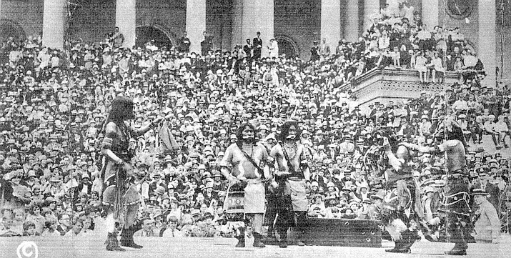Hopi perform the snake dance at U.S. Capitol in 1927. (Photo courtesy of http://www.loc.gov/pictures/item/npc2008008085)