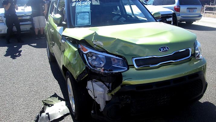 Kingman man reportedly rams stolen car into Kingman Police vehicles