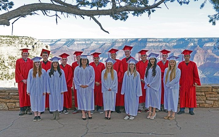 Grand Canyon School seniors, 2017