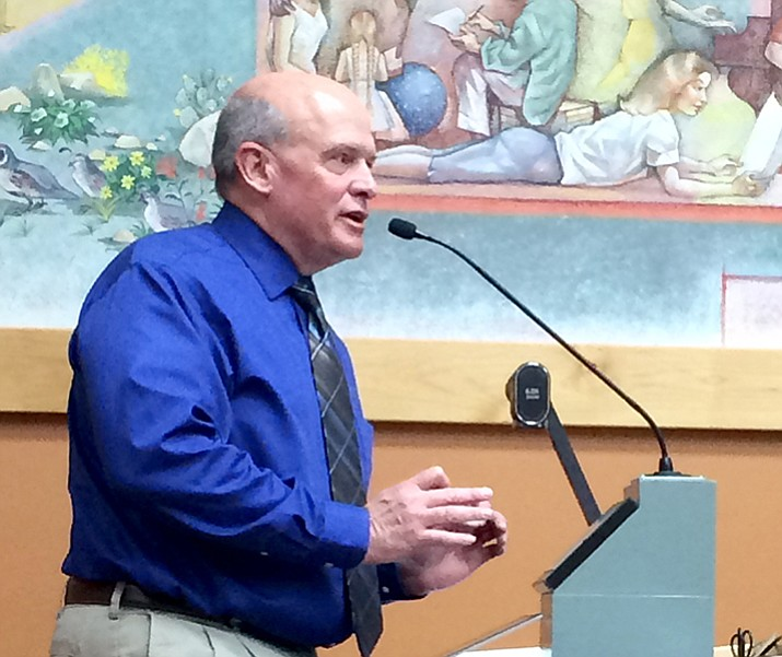 Budget and Finance Director Mark Woodfill explains the proposed Fiscal Year 2017-18 budget to Prescott City Council members May 25. (Sue Tone/Courier)