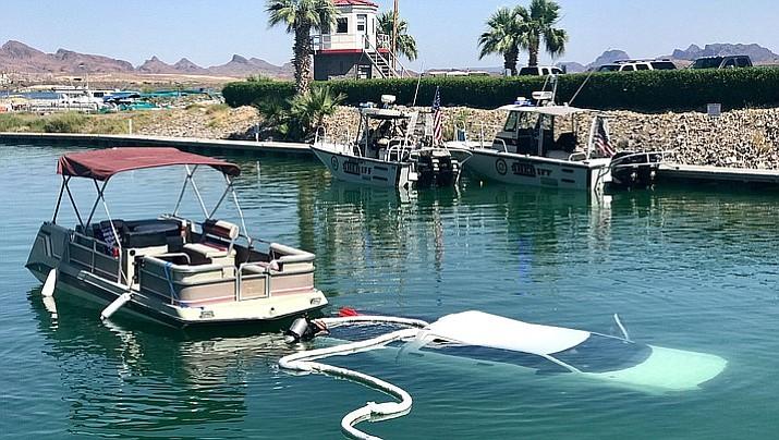 Truck submerged in lake havasu the daily courier for Lake havasu fishing