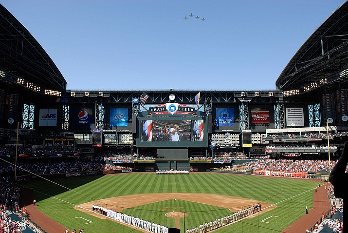 The Arizona Diamondbacks routed the San Diego Padres 15-3 Thursday to finish a three-game sweep.