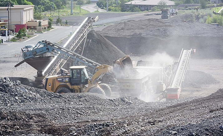 Work continues at Lakeview Plaze at Willow Creek at Willow Lake roads. (Cindy Bark/Courier)