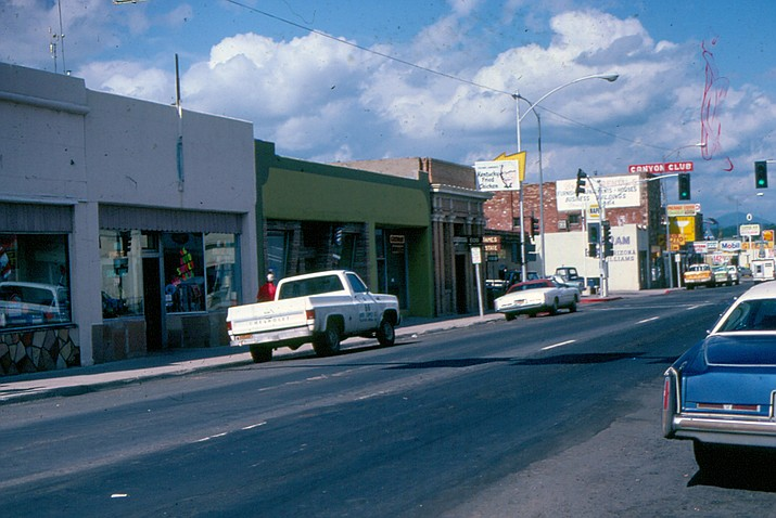 Downtown Williams in 1981. Kentucky Fried Chicken was on the corner, and a stop light was at the intersection of Second Street and Route 66.