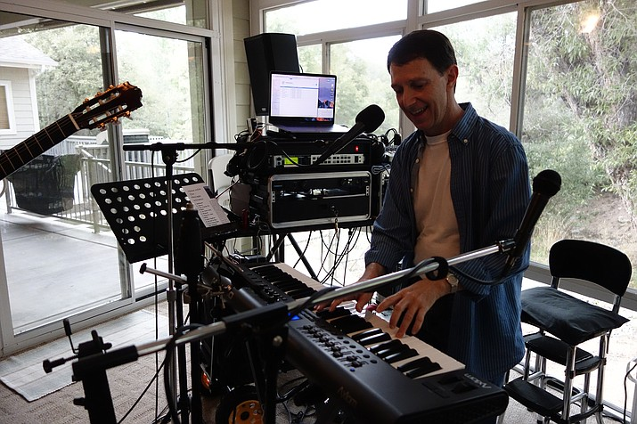 Phillipe Willems is a modern-day one-man band. He uses a complex set of tools to create clean-sounding complete songs entirely by himself. (Max Efrein/Kudos)