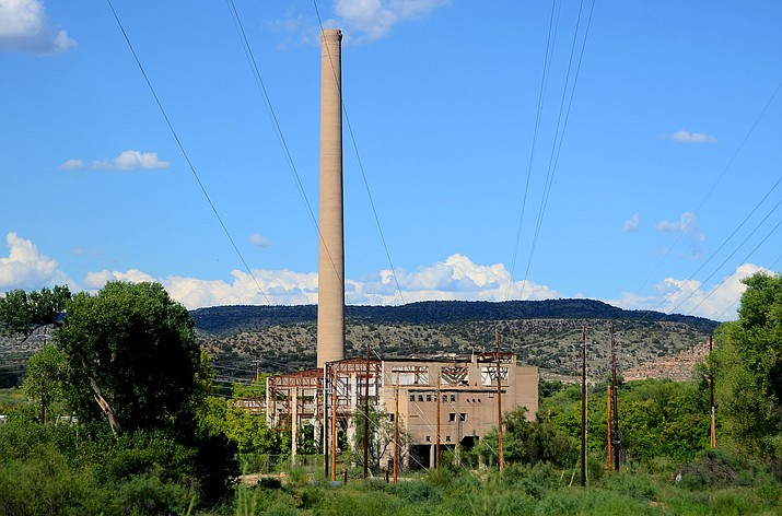 The TAPCO Steam Plant in Clarkdale can be seen over the Verde River from Sycamore Canyon Road. (VVN/Vyto Starinskas)