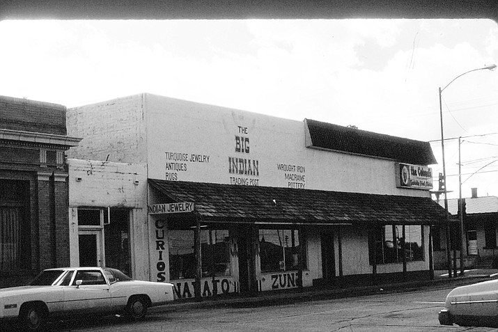 Second Street and Route 66 in 1981. The Big Indian Trading Post and Kentucky Fried Chicken were located in the building.