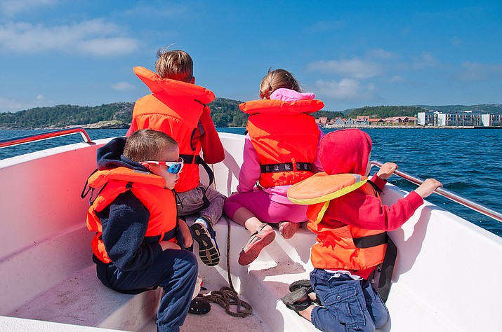 AZGFD encourages all boaters to make sure children have a secure, properly fitted life jacket before recreating on Arizona lakes.