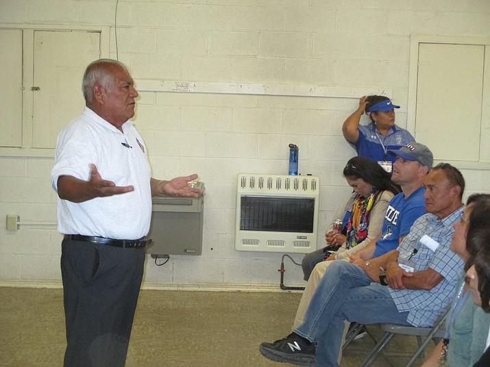 Ivan Sidney encourages to Hopi Jr/Sr High School staff. Stan Bindell/NHO