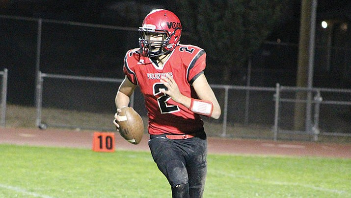 Lee Williams quarterback AJ Herrera threw a TD pass in a 14-10 loss Friday night against Mohave.