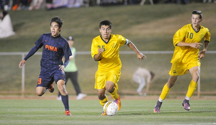 Yavapai's Jose Perez Flores (25) brings the ball toward the box as the Roughriders take on Pima Community College Tuesday, Oct. 3, 2017, in Prescott Valley. The Roughriders host the NJCAA West District Tournament beginning today at Ken Lindley Field in Prescott. (Les Stukenberg/Courier, File)