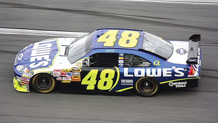 Jimmie Johnson is ranked eighth among title contenders heading into today's race in Phoenix.