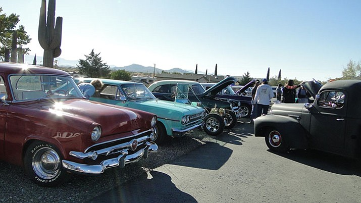Cars line up at the show in Cordes Lakes. (Photos by Pat Williamson/Courier)
