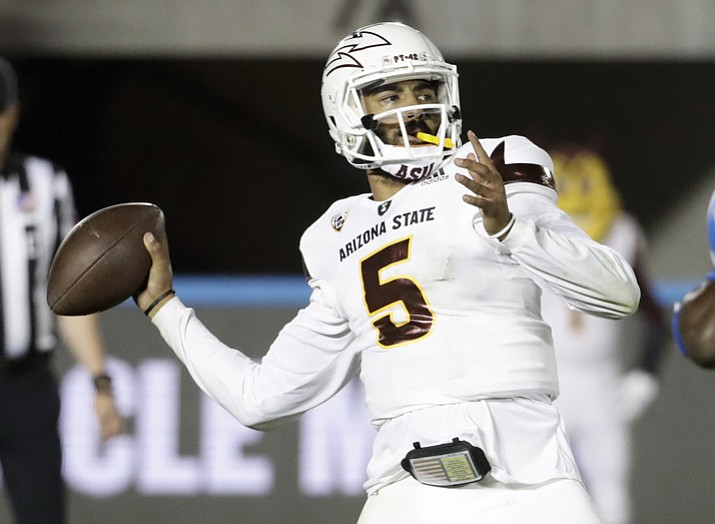 Arizona State quarterback Manny Wilkins passes against UCLA during the second half Saturday, Nov. 11, 2017, in Pasadena, Calif. UCLA won 44-37. (Chris Carlson/AP, File)