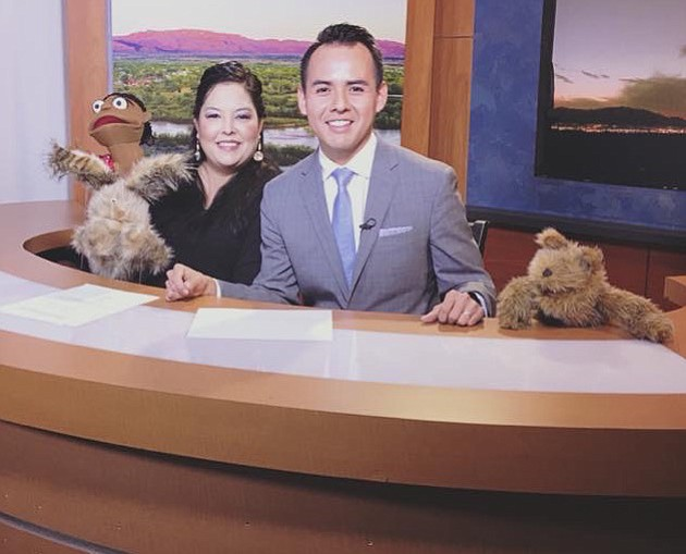 Navajo Nation Breaking News with KOB4 News Anchor Colton Shone (center), and from left: Nanabah and her friends Gáh (rabbit), Prjoject Director Dr. Shawna Begay, and Dlǫ̀ǫ̀ (prairie dog). Photo courtesy of Naalkid Productions