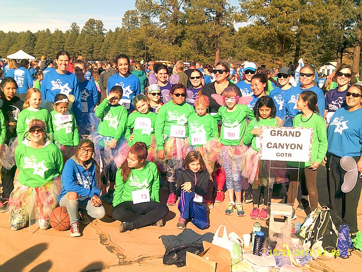 The Grand Canyon GOTR team gathers for a photo before the race.