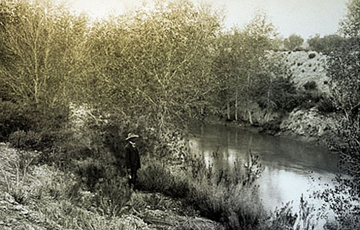 The prehistoric Hohokam canal incorporated into the Consolidated Canal in eastern Salt River Valley, 1906. (Courtesy US Department of the Interior, Bureau of Reclamation)