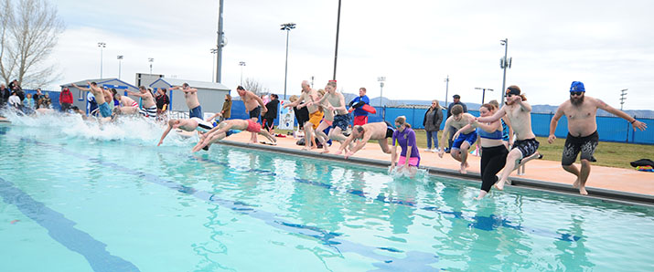 Polar Bear Splash Takes Place Jan 6 Prescott Valley Tribune Prescott Valley Az