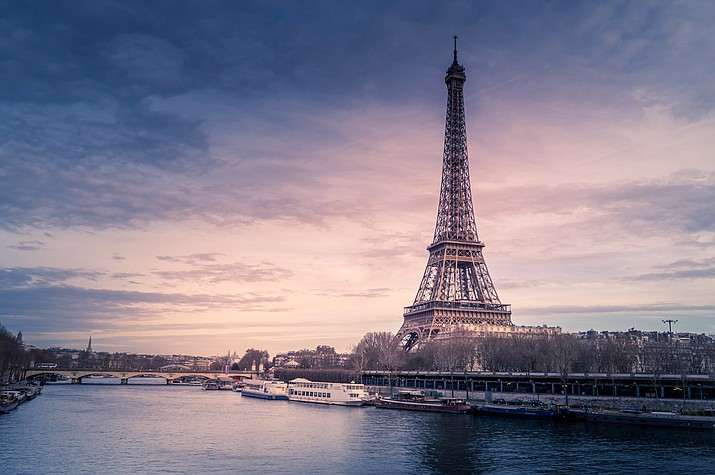 Urban scientists and Paris foodies are getting excited about a bizarre discovery atop a hotel near the Eiffel Tower: the first-ever wild truffle growing in the French capital.(Chris Karidis, Unsplash)