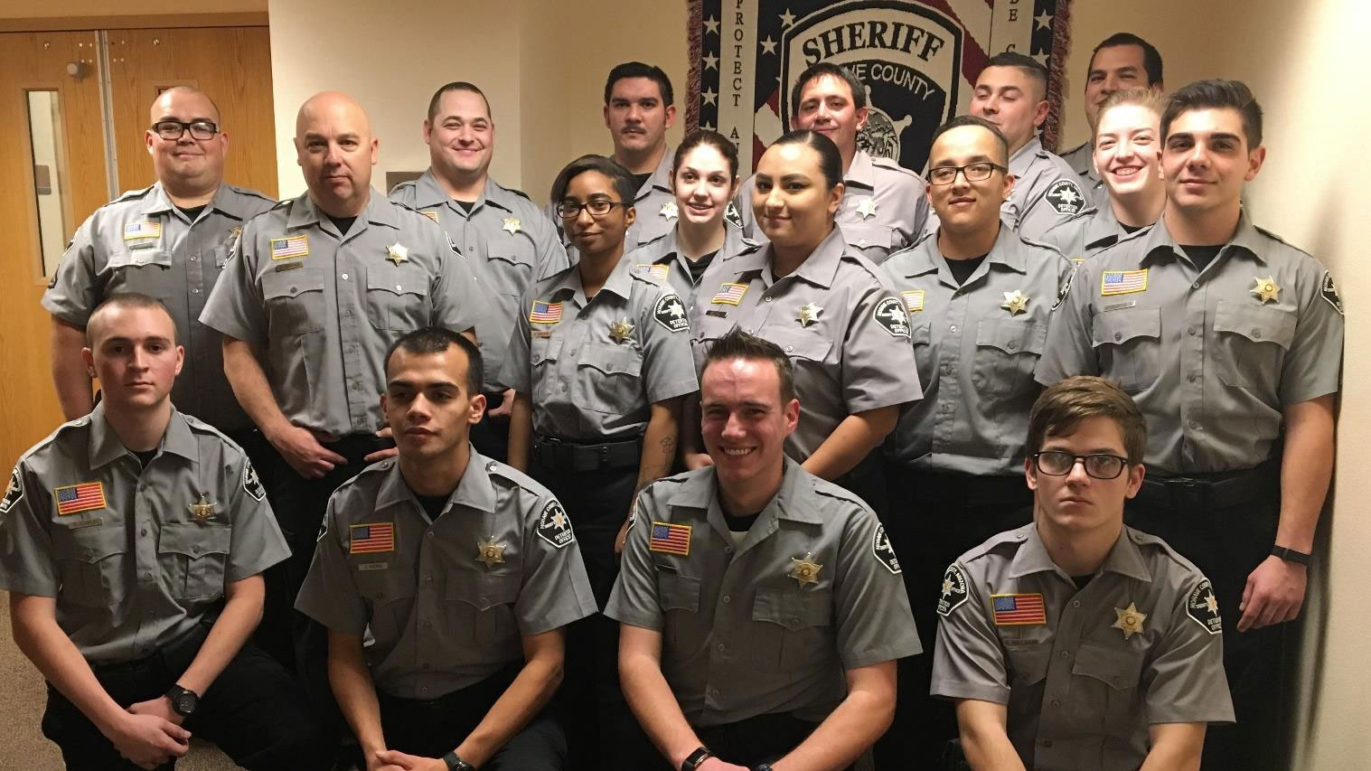 mcso graduates 16 new detention officers