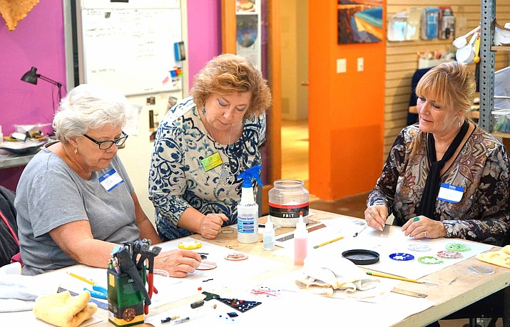 Led by the AMusinGlass artists on a rotation, Pilisa Rainbow Lady, Terry Israelson and Marika Israelson.