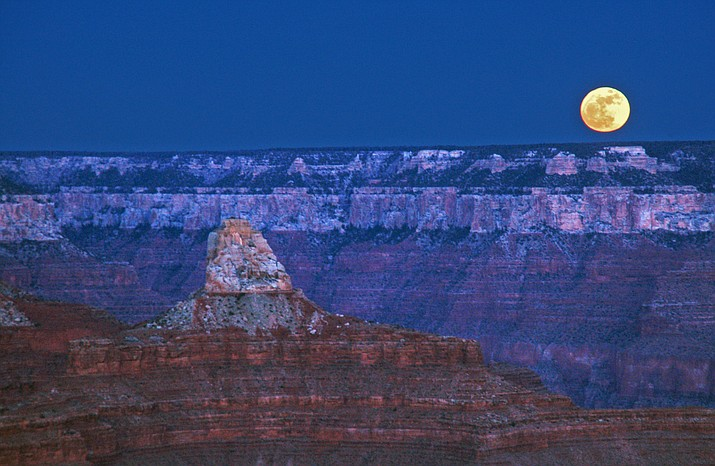 The first supermoon of 2018 rises over Grand Canyon Jan. 1.