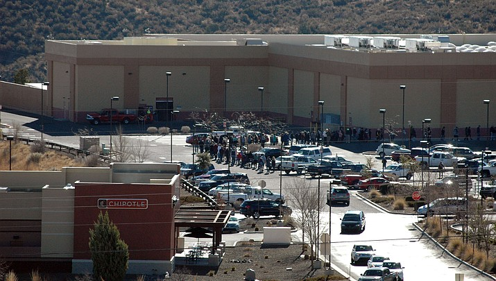Long-er lines at Sam's Club on Saturday