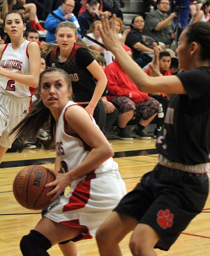 Madison Arave led Lee Williams with seven points Thursday night in a 33-27 loss to Coconino.