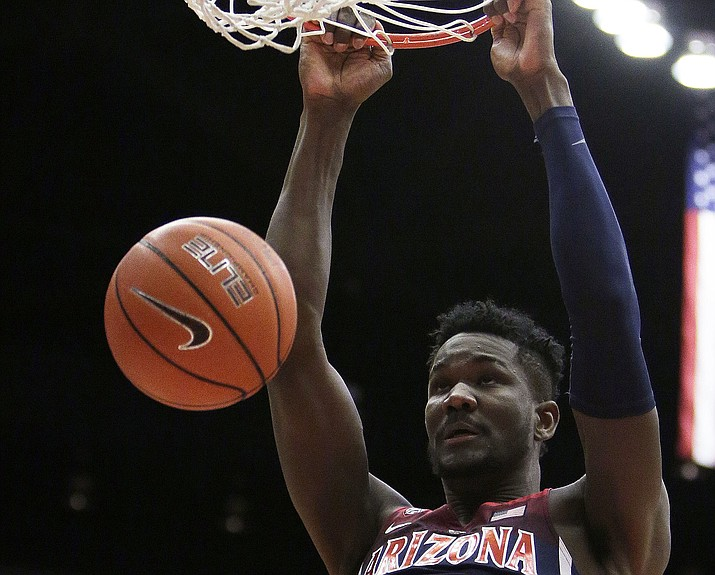 Arizona forward Deandre Ayton dunks during the first half against Washington State on Wednesday, Jan. 31, 2018, in Pullman, Wash. (Young Kwak/AP)