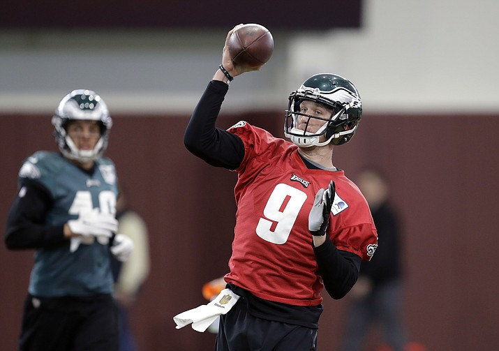 Philadelphia Eagles quarterback Nick Foles throws during a practice for the NFL Super Bowl 52 football game Friday, Feb. 2, 2018, in Minneapolis. (Eric Gay/AP)