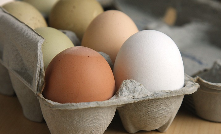 A Phoenix lawmaker has proposed extending the expiration date on eggs. (Stock)