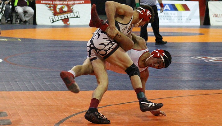 Mingus Union wrestling takes 20th at state