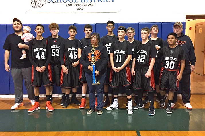 Williams placed first in the I-40 League middle school A tournament Feb. 16. The team included: Coach Brian Langenbach, Emma Langenbach, Xavier Boggs, Cy Bass, Kyle Perkins, Preston Ford, coach Deniz Chavez, AJ Godinez, Oryn Orozco, Danny Siegfried, Dylan Robertson, Doug Spratt, Joseph Siegfried and coach Steve Sutton. (Submitted photo)