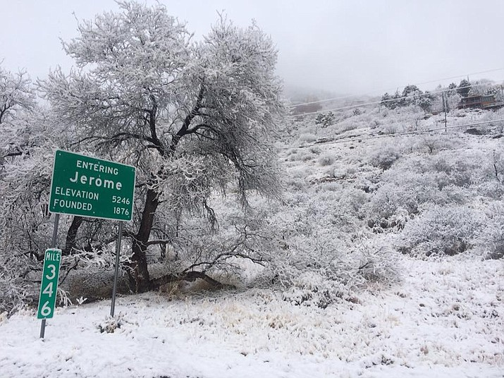 Jerome residents woke up to 2.5 inches of snow Wednesday morning, according to Brian Klimowski, meteorologist with the National Weather Service. (VVN/Vyto Starinskas)