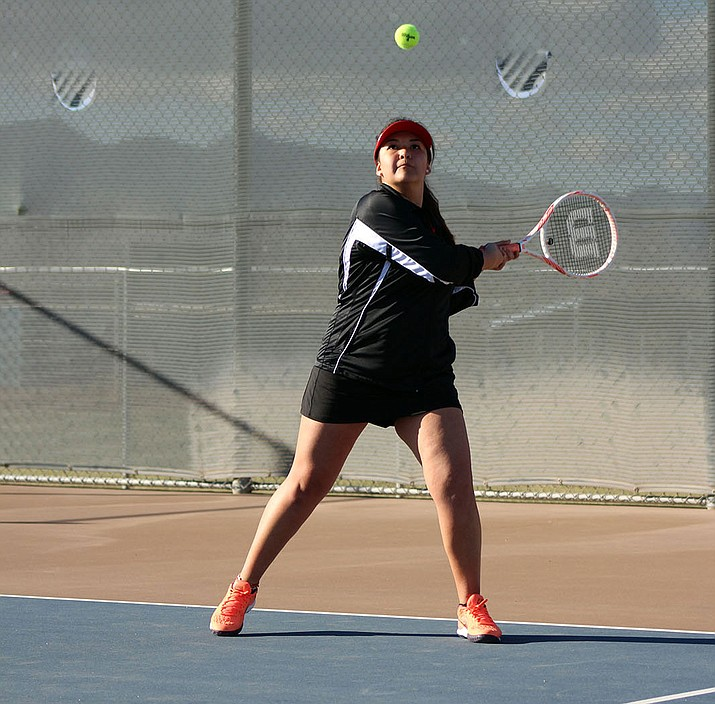 Lee Williams' Gaby Villar won 6-2, 6-0 over Kingman's Cassidy Abramson in No. 3 singles.