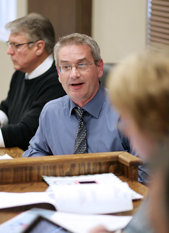 Tuesday, Cottonwood-Oak Creek Superintendent Steve King will offer two administrative models to the district's governing board. (Photo by Bill Helm)