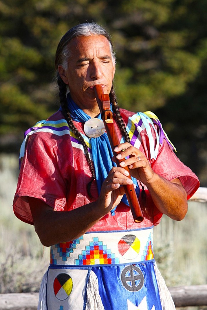 Kevin Locke a National Heritage Award fellow and World Ambassador from the Standing Rock Sioux Tribe will visit  Holbrook March 26. (Photo courtesy of Kevin Locke)