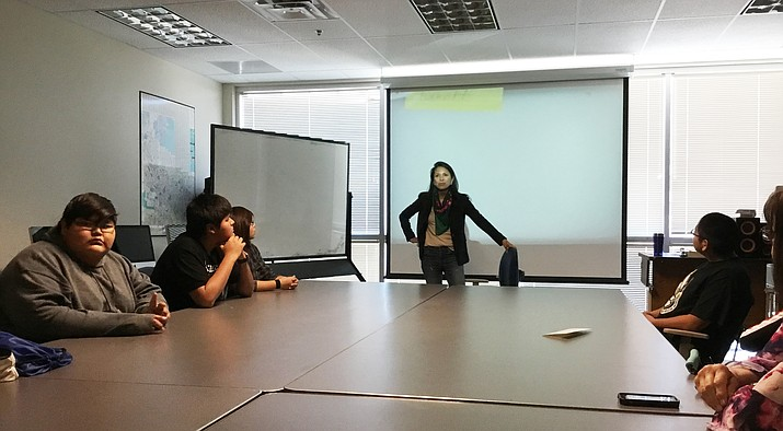Jenni Monet explains to Hopi High School media students the importance of Native journalists in the industry today. (Photo courtesy of Kelly Johnson)
