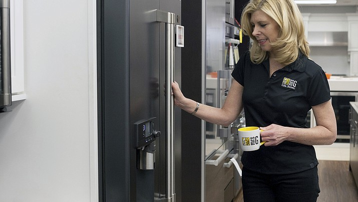 Home-sales dip gives renovators, appliance sellers a boost