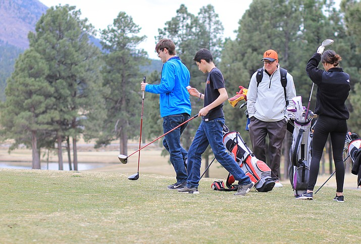 Williams High School golfers begin a round of golf at Elephant Rocks Golf Course March 22. (Wendy Howell/WGCN)