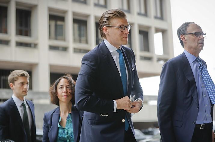 Alex van der Zwaan arrives Federal District Court in Washington, Tuesday, April 3, 2018. (AP Photo/Pablo Martinez Monsivais)