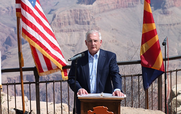 Donald Brandt, APS president and chairman of the board, announced a gift of $276,000 to the Grand Canyon Association April 4. The gift will fund the relaunch of the Field School program for underserved youth. (Erin Ford/WGCN)