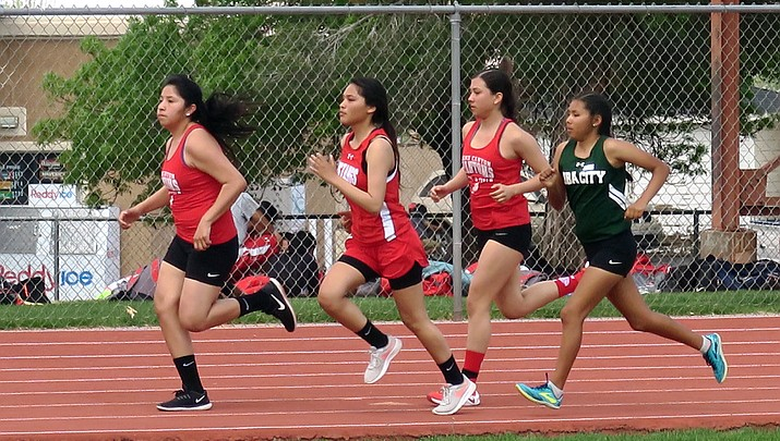 Phantoms track and field athletes qualify for state meet in Mesa